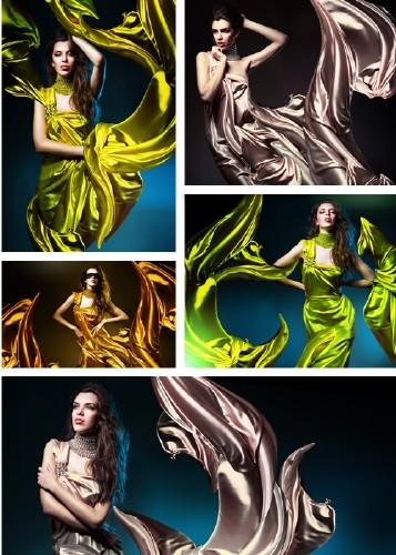 Women in flowing dresses - Clipart