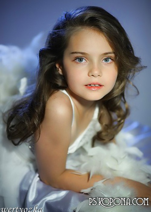 Children's template for photoshop download - Girl with white boa
