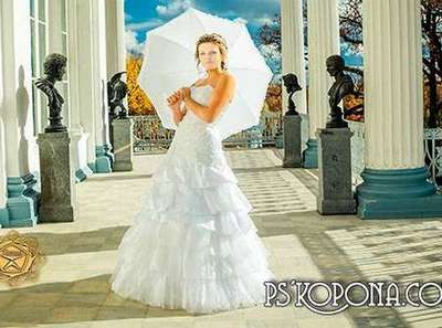 Wedding PSD template - Bride in a white dress on the porch of the Palace
