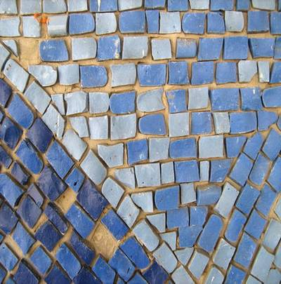 Three-color mosaic backgrounds