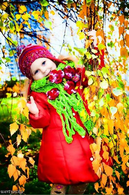 Child's template - Girl at the autumn birch