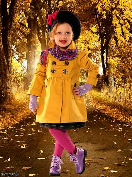 Child's psd template is Girl in the autumn alley