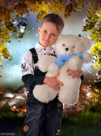 Child's psd template - Boy with polar bear ( free psd file, free download )